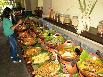 30 Tempat Makan Di Solo Restoran Hits Yang Romantis Malam